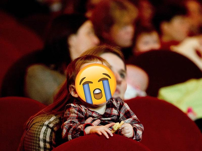 嬰兒哭鬧了整個上半場。網圖