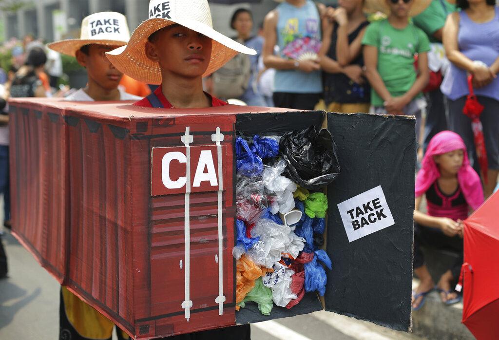 菲律賓與加拿大因垃圾貨櫃爭端演變的外交風波惡化。 AP圖片