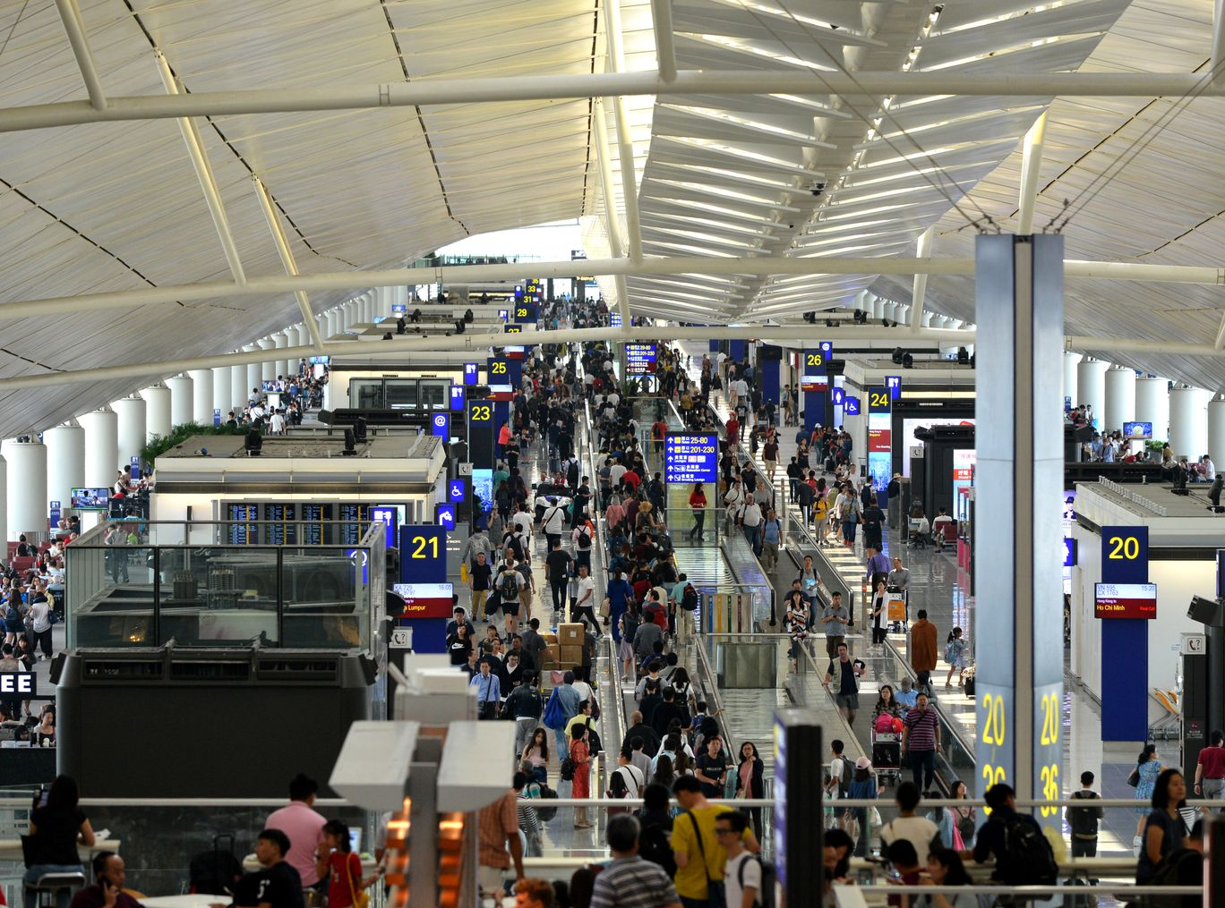 疑有機場職員濫用禁區通行證。資料圖片