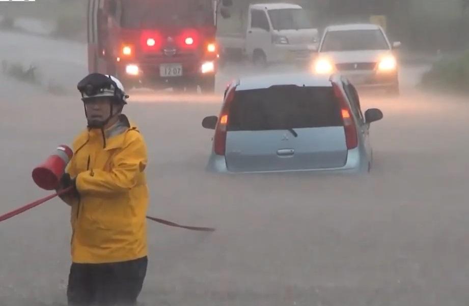 當地洪水泛濫。
