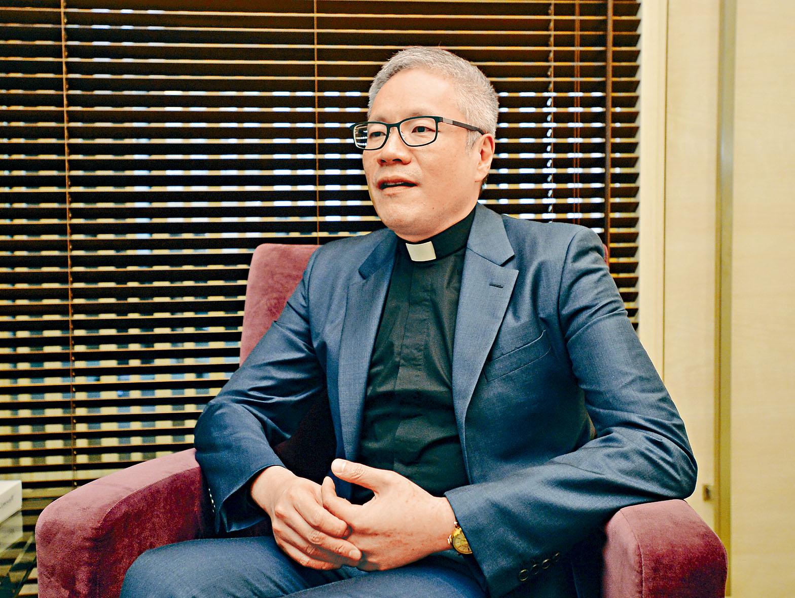 聖公會教省秘書長管浩鳴法政牧師表示,教會立場是必須將犯罪者繩之於法。資料圖片
