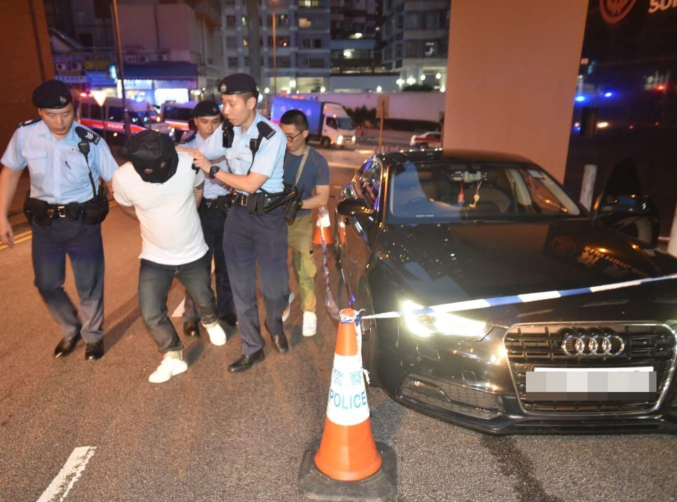 6名男子被捕並帶回警署調查。