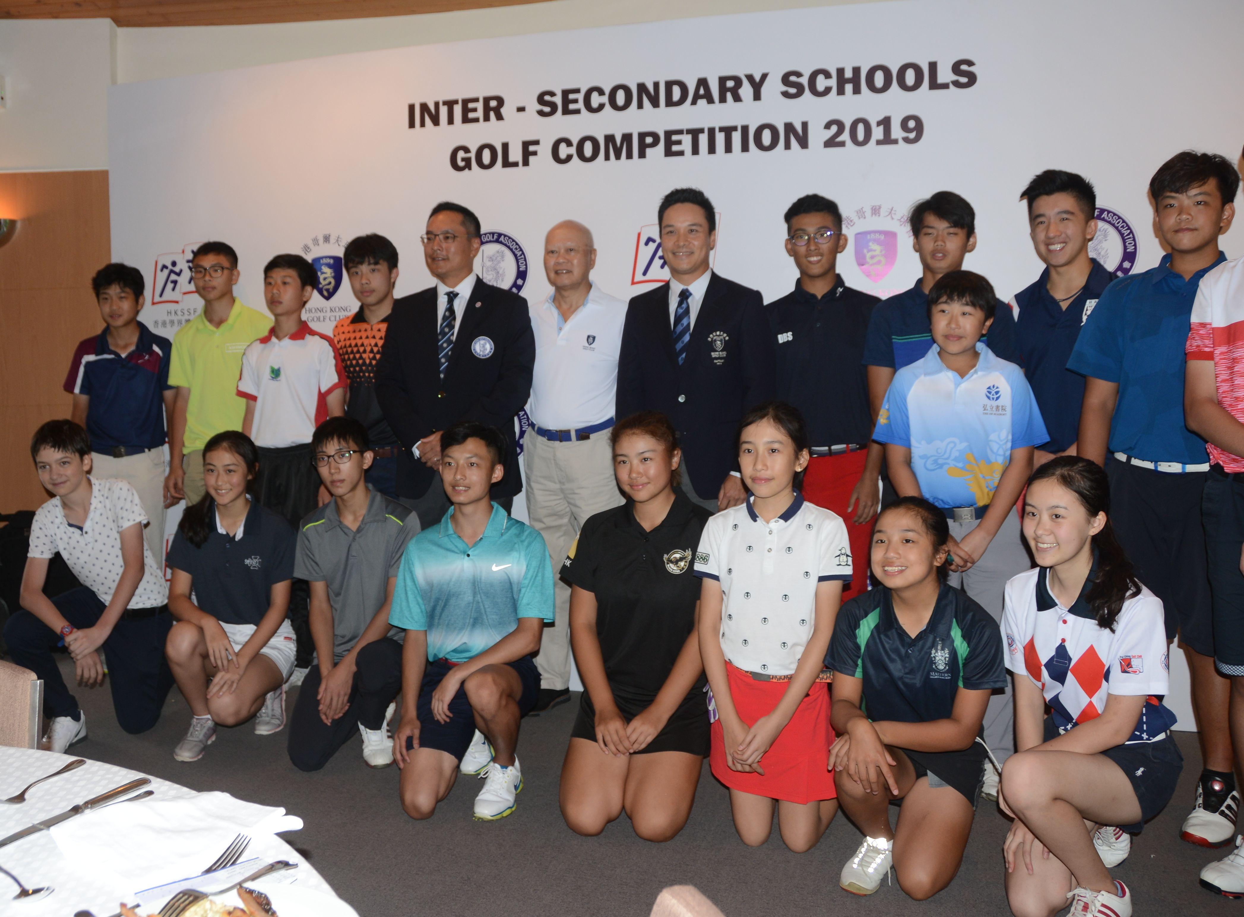 香港高爾夫球總會行政總裁賴以尊讚揚球手備戰態度認真,令整體水平提升。馮梓健攝