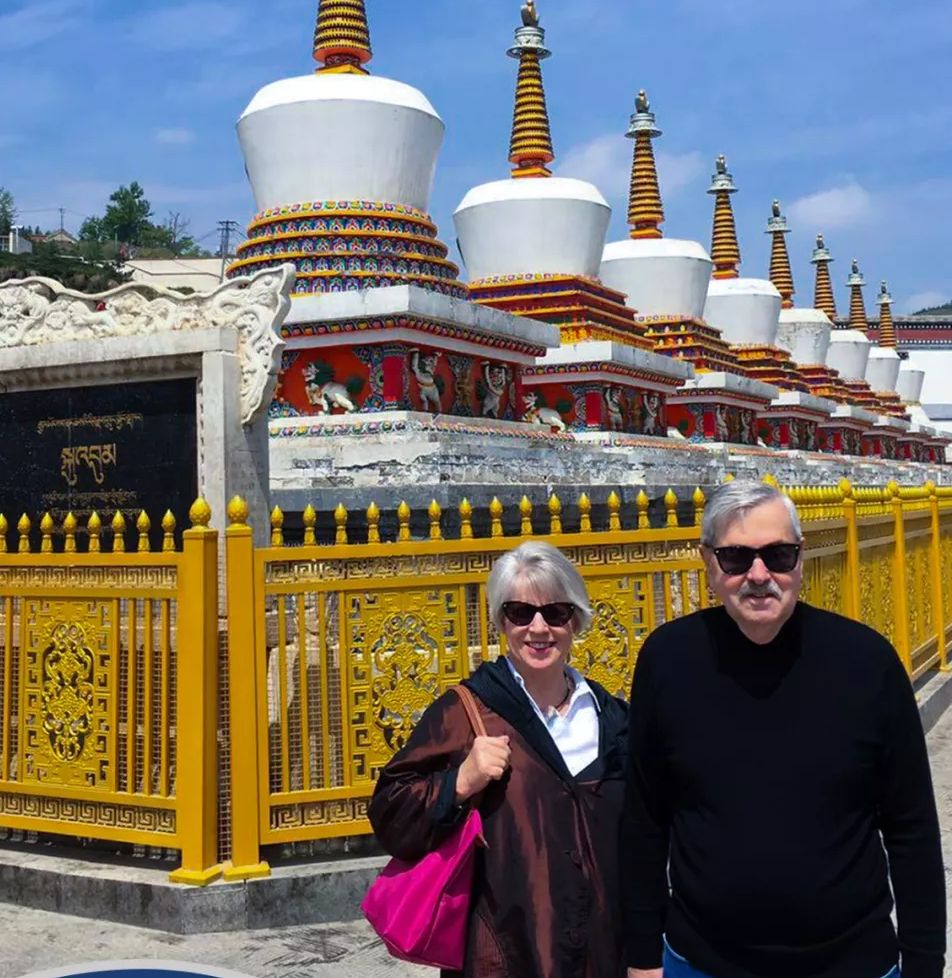 美駐華大使參觀青海塔爾寺
