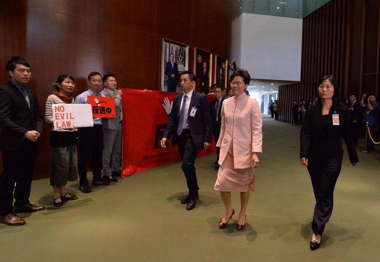 行政長官林鄭月娥出席立法會質詢環節。