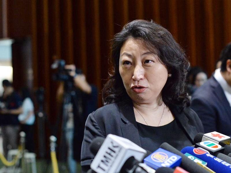 鄭若驊表示要先建立相關制度。