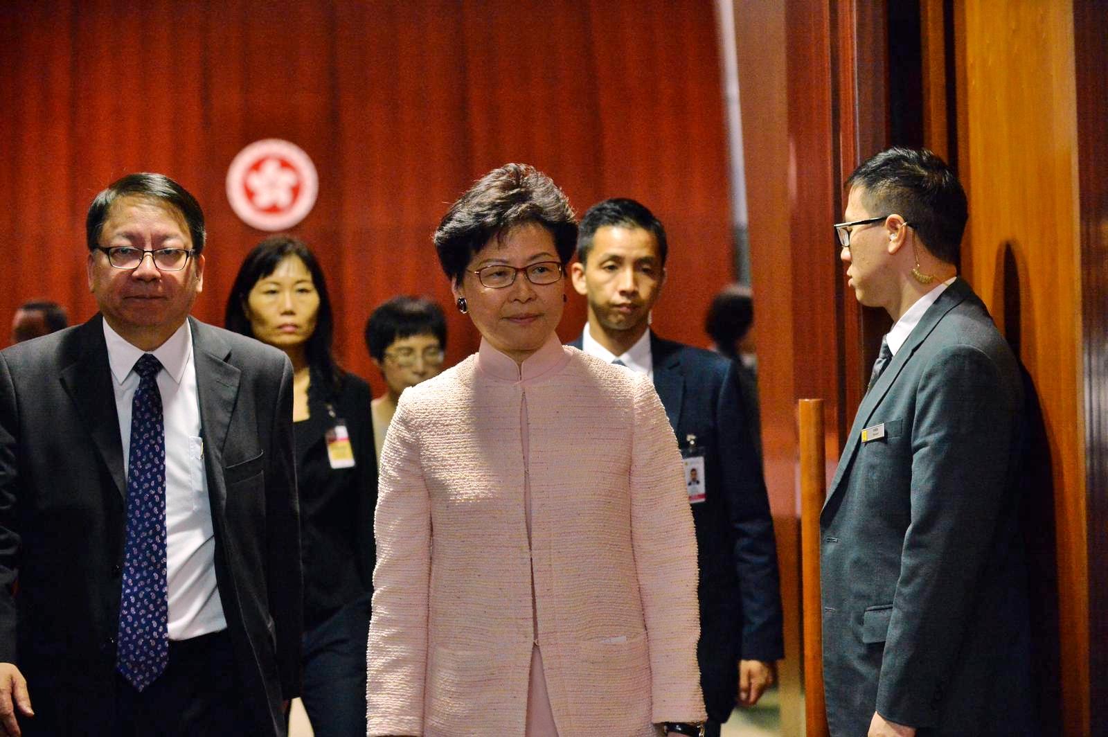 行政长官林郑月娥出席立法会质询环节。