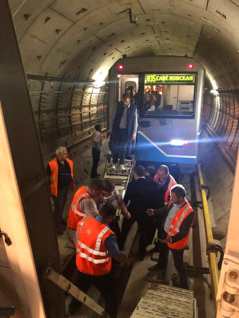俄羅斯首都莫斯科一條地鐵線周二發生大停電,導致列車停駛。 AP圖片