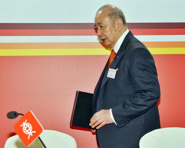 由7月1日起,李國寶將繼續出任執行董事、董事會主席及提名委員會委員。 資料圖片