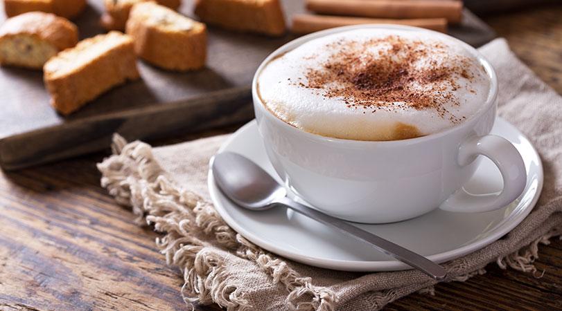Cappuccino是一份Espresso加奶和打奶泡整成。網圖