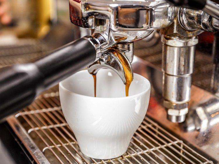有客人嫌Espresso的杯子太細。網圖