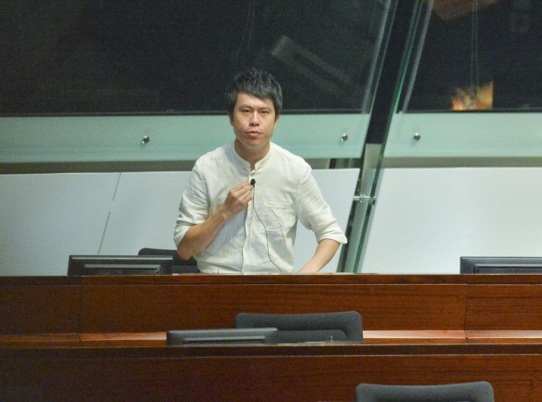 鄺俊宇在網上發起聯署行動,促請漁護署「刀下留狗」。資料圖片