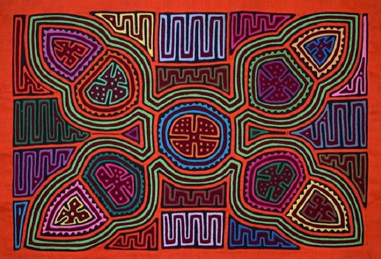 巴拿馬的庫納雅拉族原住民指Nike擅自挪用他們的傳統民族刺繡圖案。網上圖片