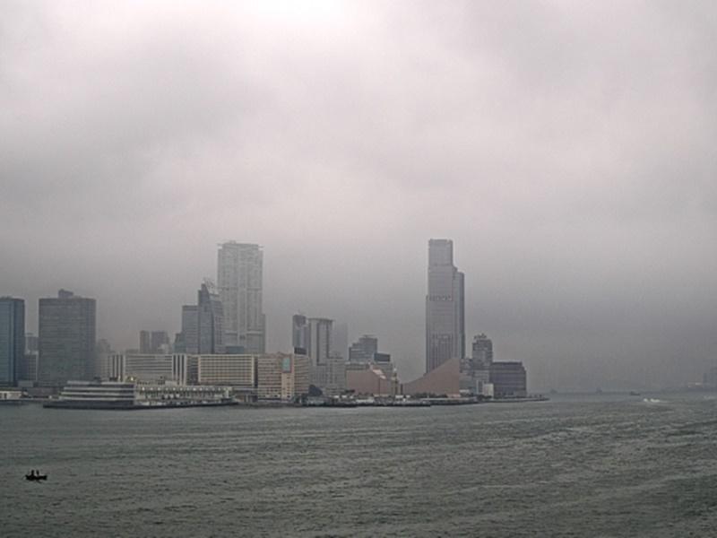 預測今日多雲有幾陣驟雨。天文台圖片