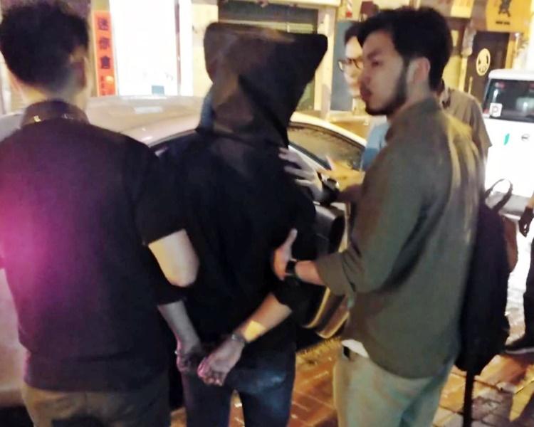 被捕男子。