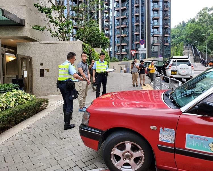 的士司機協助警方調查。