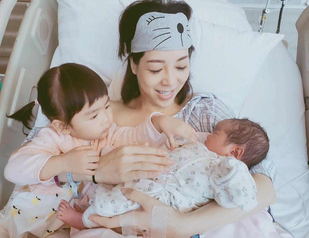 黃婉曼日前誕下二女Kaitlyn。 黃婉曼IG圖片