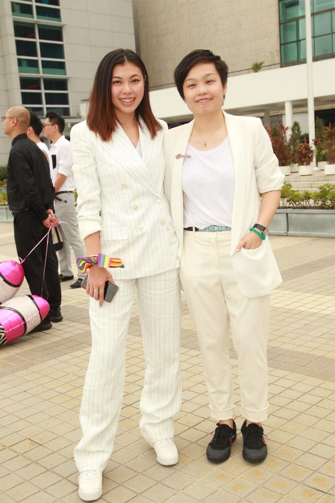王曼喜(左)與另一半Anne到場。