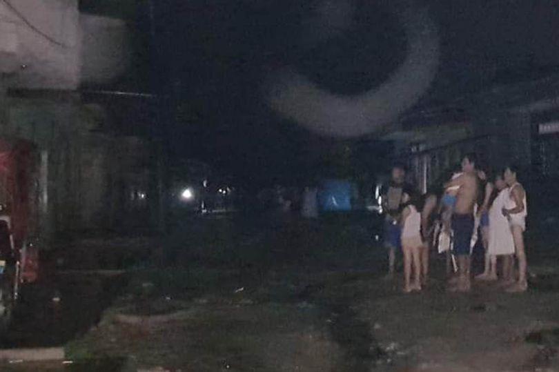 民众地震后慌忙走避。网上图片