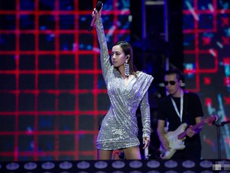 蔡依林昨晚在北京麥田音樂節演出。 微博圖片