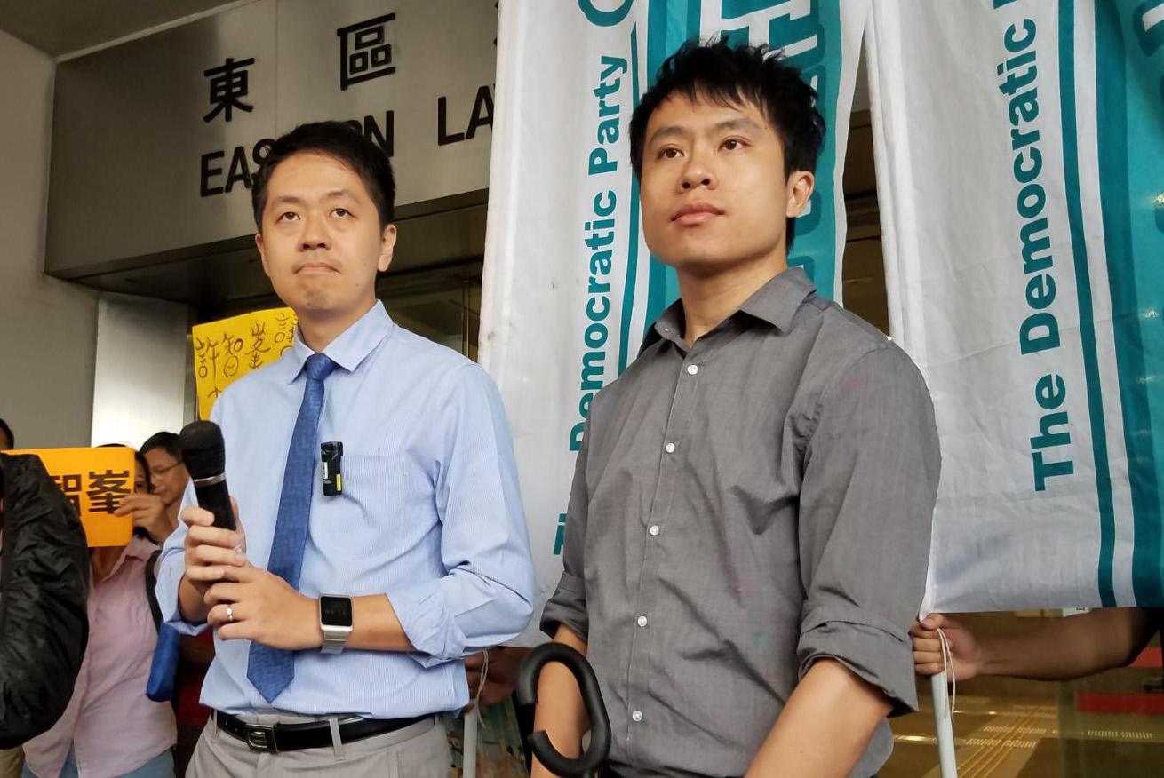 許智峯(左)3項罪名成立。 陳楚琨攝