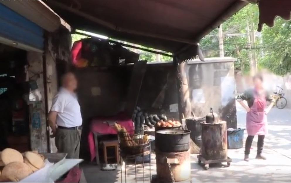 上海男子因早餐店老闆娘3年前拒加菜所以放火報復。網上圖片
