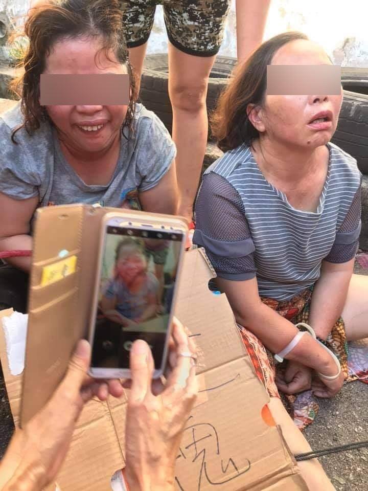 中國大媽行騙事敗被馬來西亞民眾捆綁怒毆。網上圖片