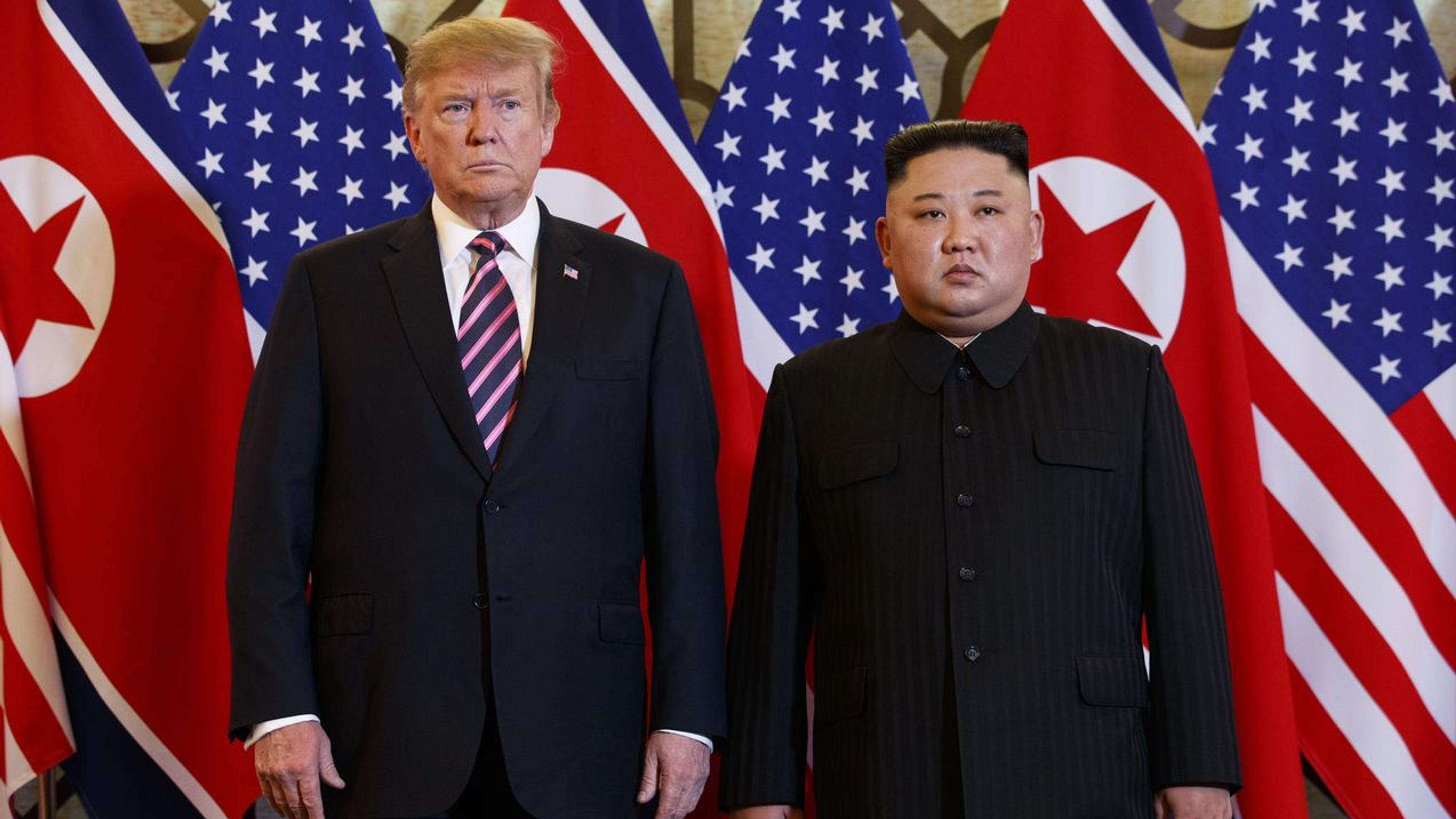 特朗普(左)與金正恩(右)在越南會面無成果。AP圖片