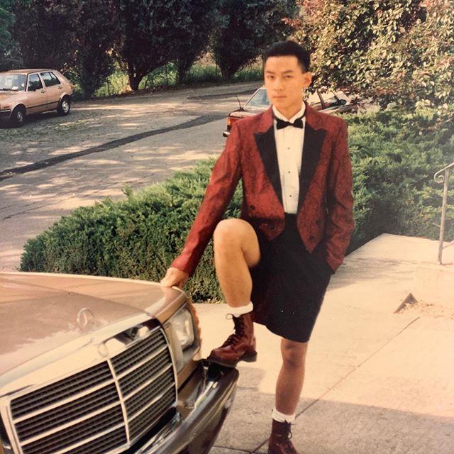 吳彥祖上載18歲時的「嘔血」照片。
