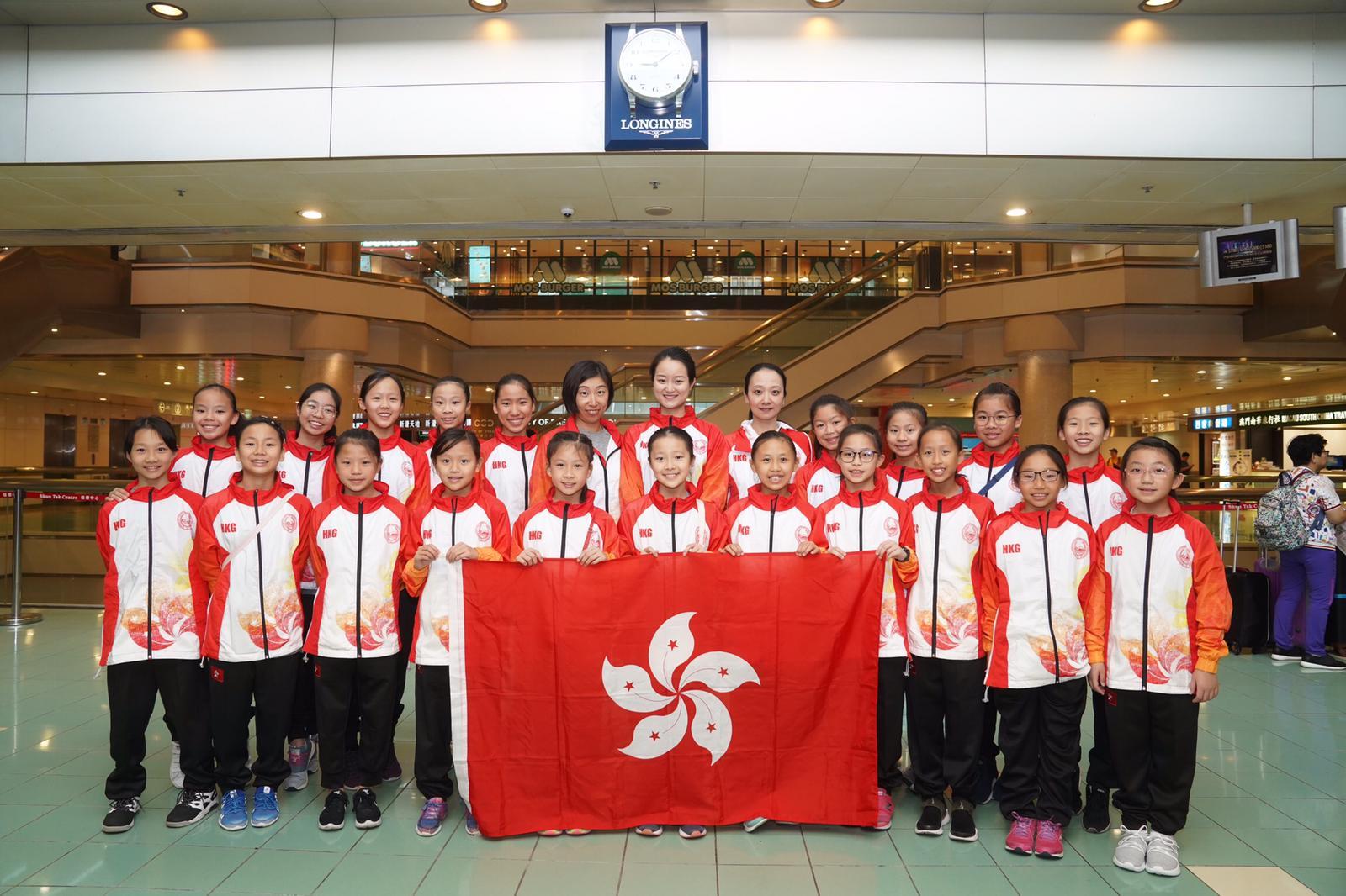 香港韻律泳隊周日完成一連三日的澳門國際藝術游泳邀請賽,派出廿一名選手參賽共斬獲七金一銀。相片由公關提供。