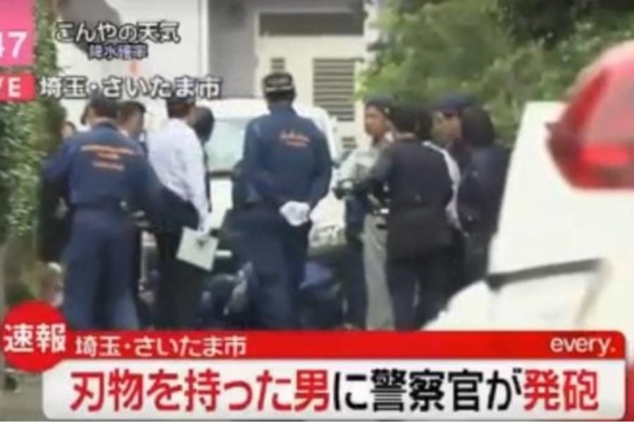 埼玉县也有一名男子持刀企图袭警,被警员开枪击中腹部,送医后宣告不治。  网上图片