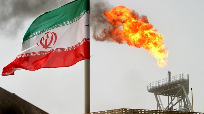 美國威脅禁伊朗油輪泊港。AP圖片
