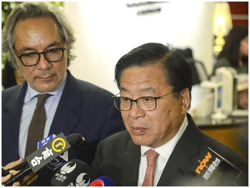 林健鋒(右)歡迎政府接納意見。資料圖片