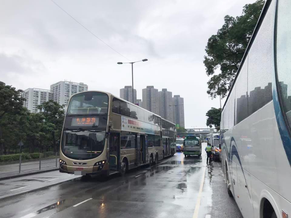 涉事巴士。 馬路的事討論區FB/網民KH Chui圖