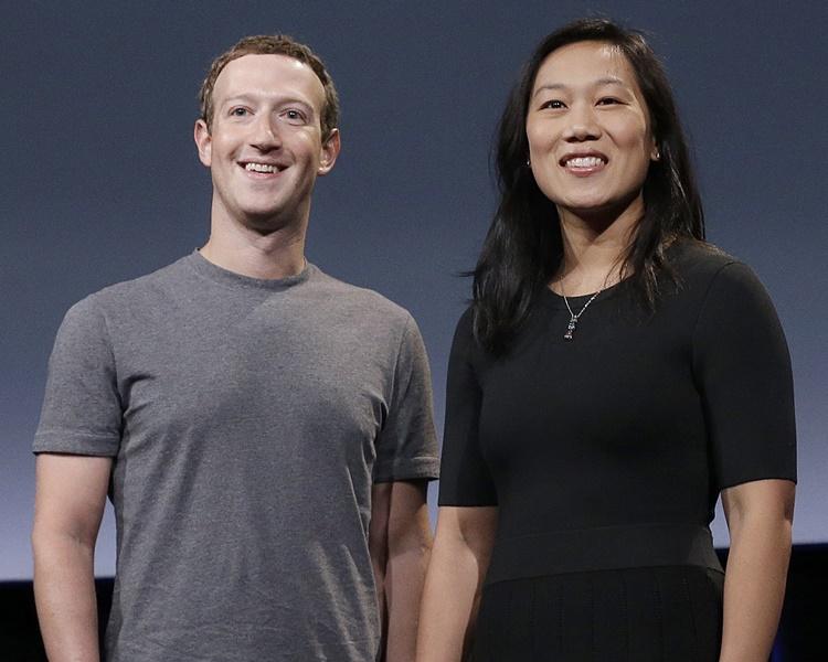 布斯被指曾对朱克伯格(左)华裔妻子Priscilla(右)发表歧视言论。