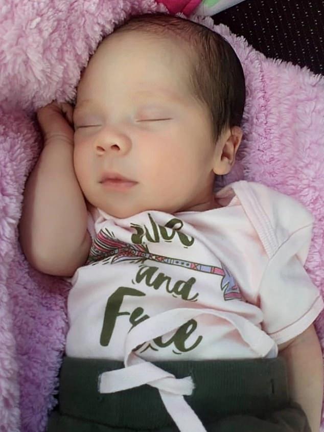 姊姊一出生便接受墮胎手術。網圖
