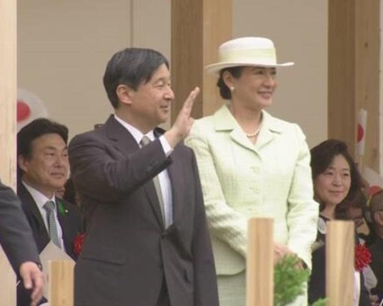 德仁与雅子到爱知县参加全国植树节活动。NHK截图