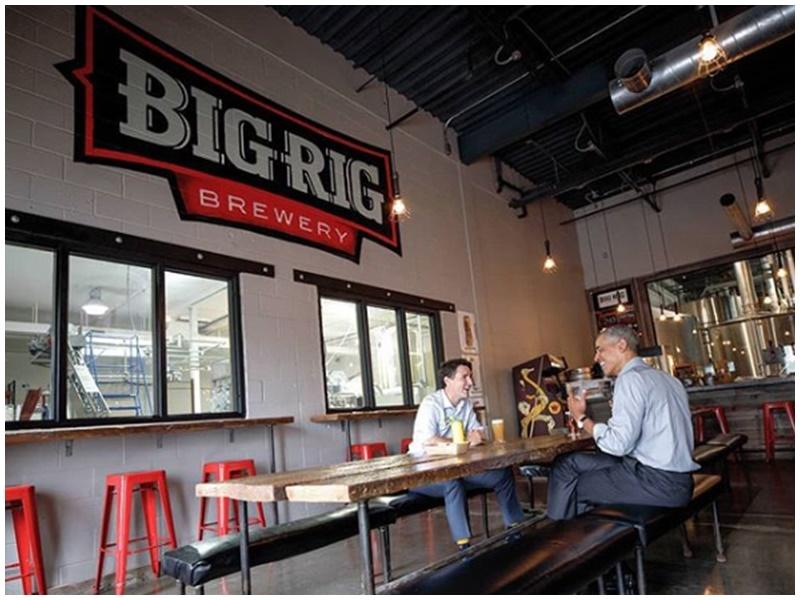 餐廳亦張貼2人的酒局情景。Big Rig Kitchen & Brewery Instagram