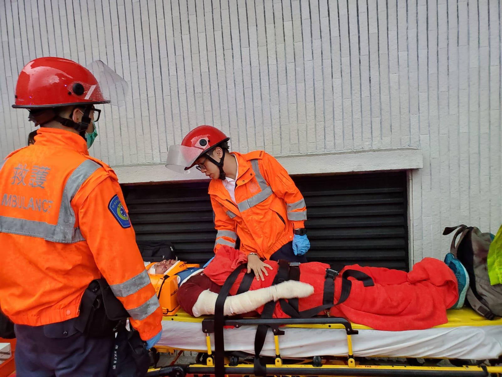 傷者由救護車送院治理。蔡楚輝攝