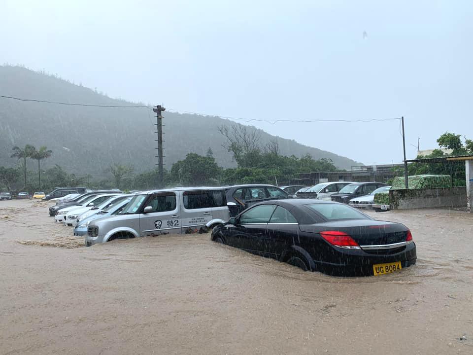石澳道严重水浸。网上图片