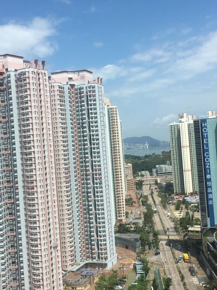 今日早上天水围蓝天白云阳光普照。Kai Ming Lui 图片