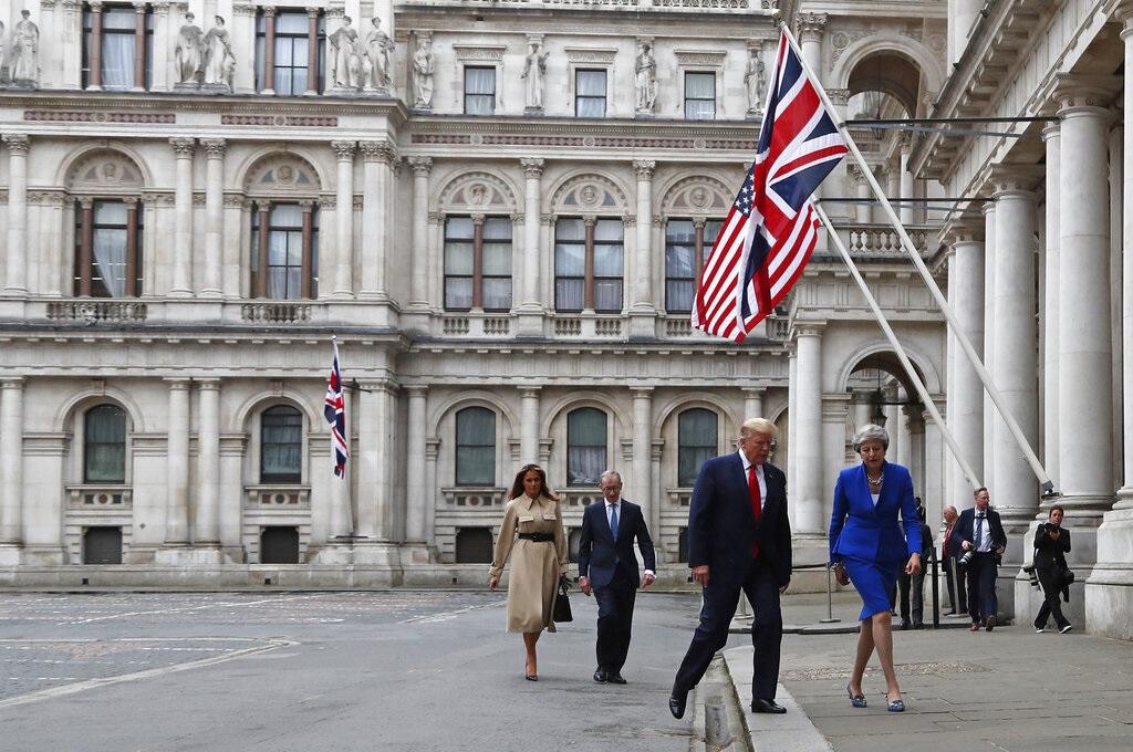 特朗普與文翠珊,以及梅拉尼婭與菲臘會面。AP