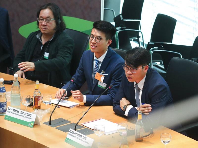 黄台仰出席德国政党在国会内举行的研讨会。AP