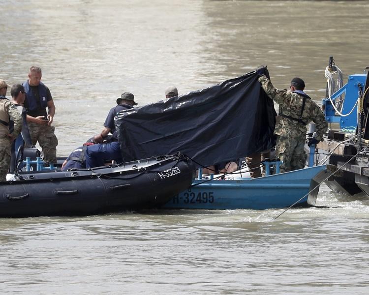 救援人员再寻获3具尸体。