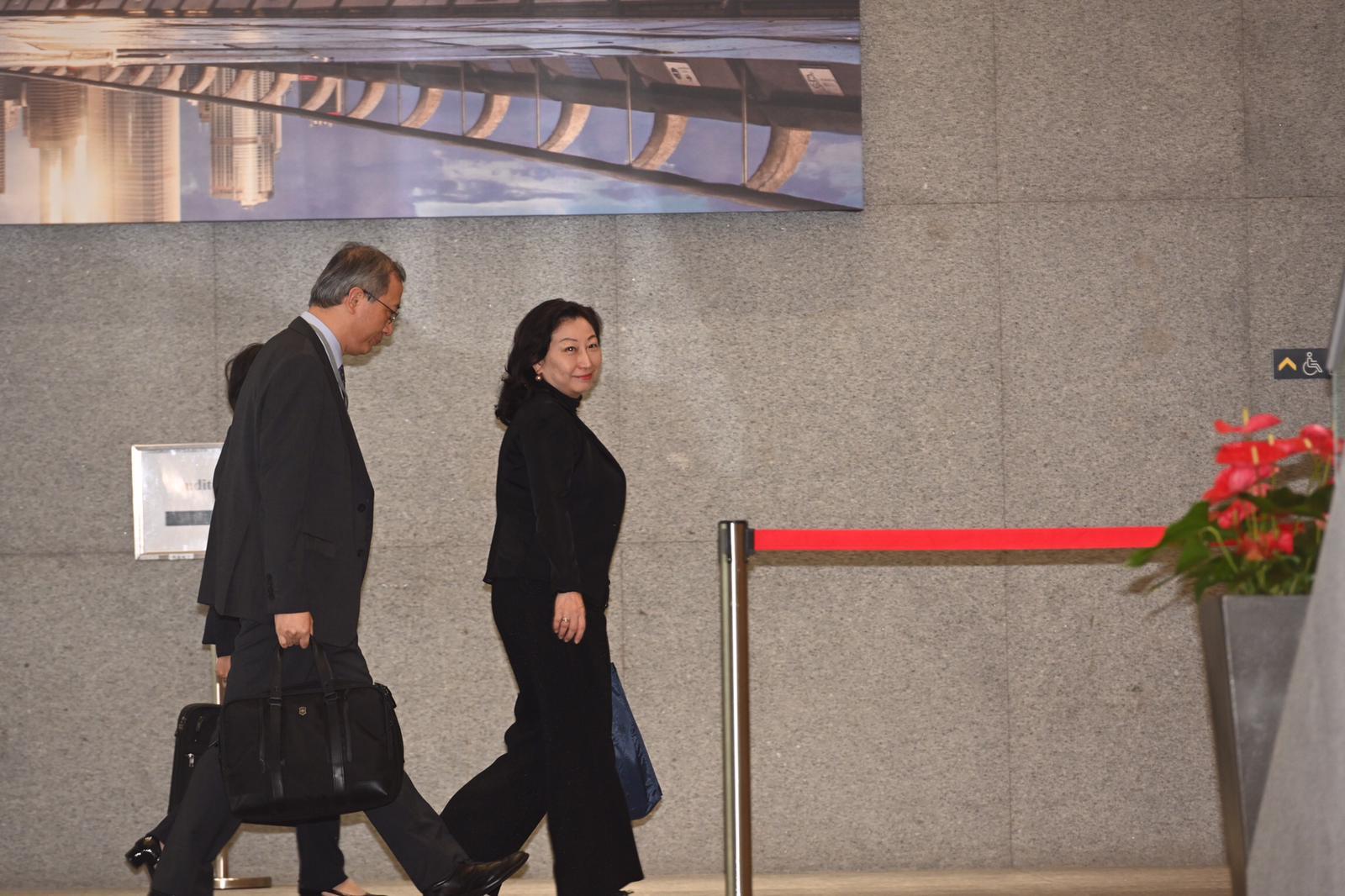 律政司司长郑若骅也有出席。