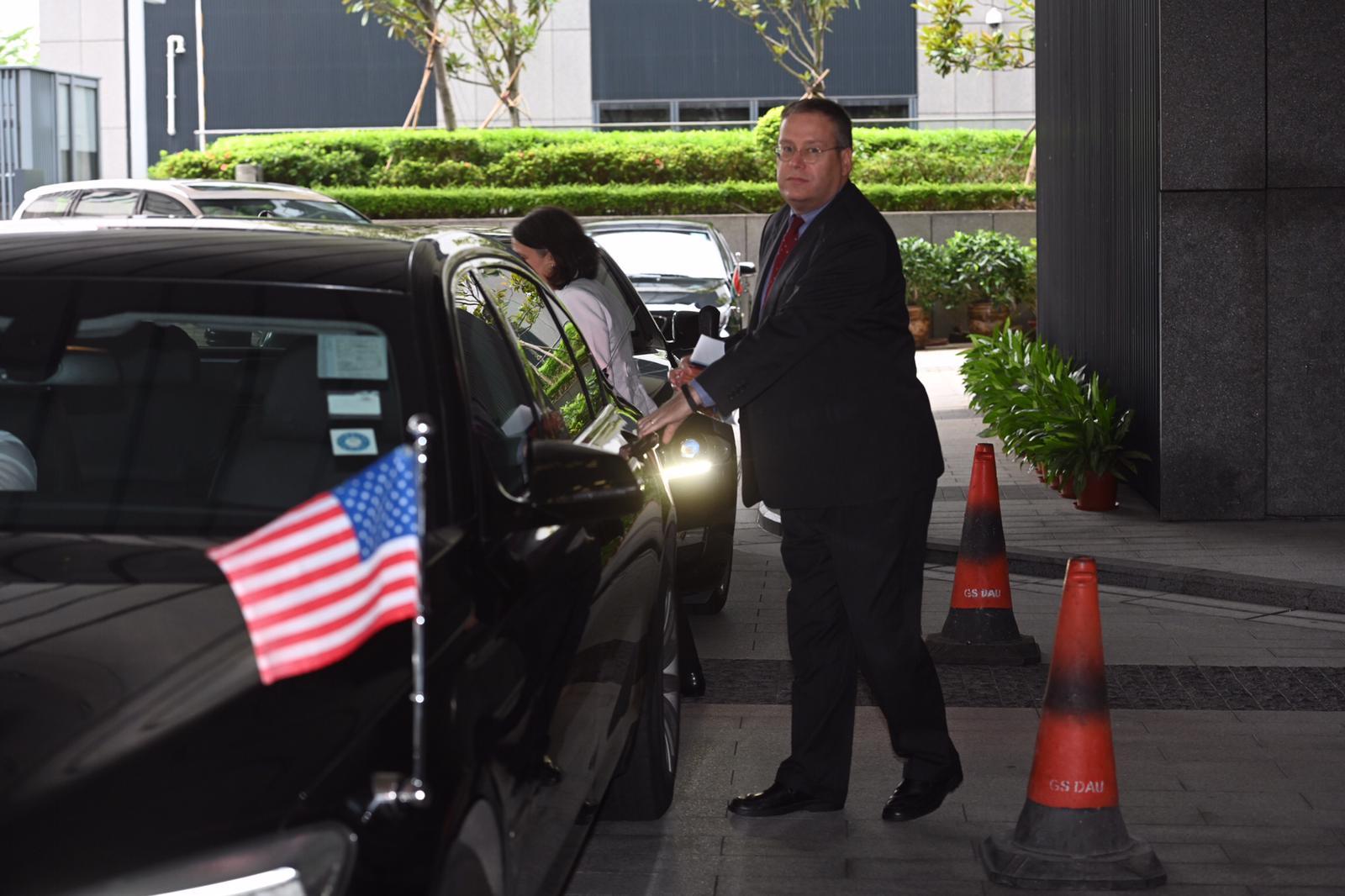 美国驻港澳总领事唐伟康。