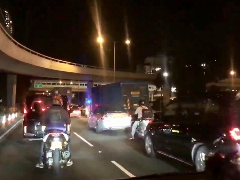 大埔公路發生10車相撞事件,造成交通擠塞。FB群組「Tai Po 大埔」影片截圖