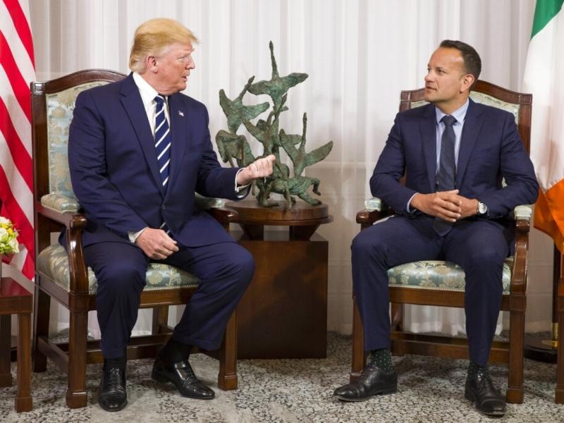 美国总统特朗普由英国转到爱尔兰访问,他表示英国脱欧面对的边界问题,会得到解决。