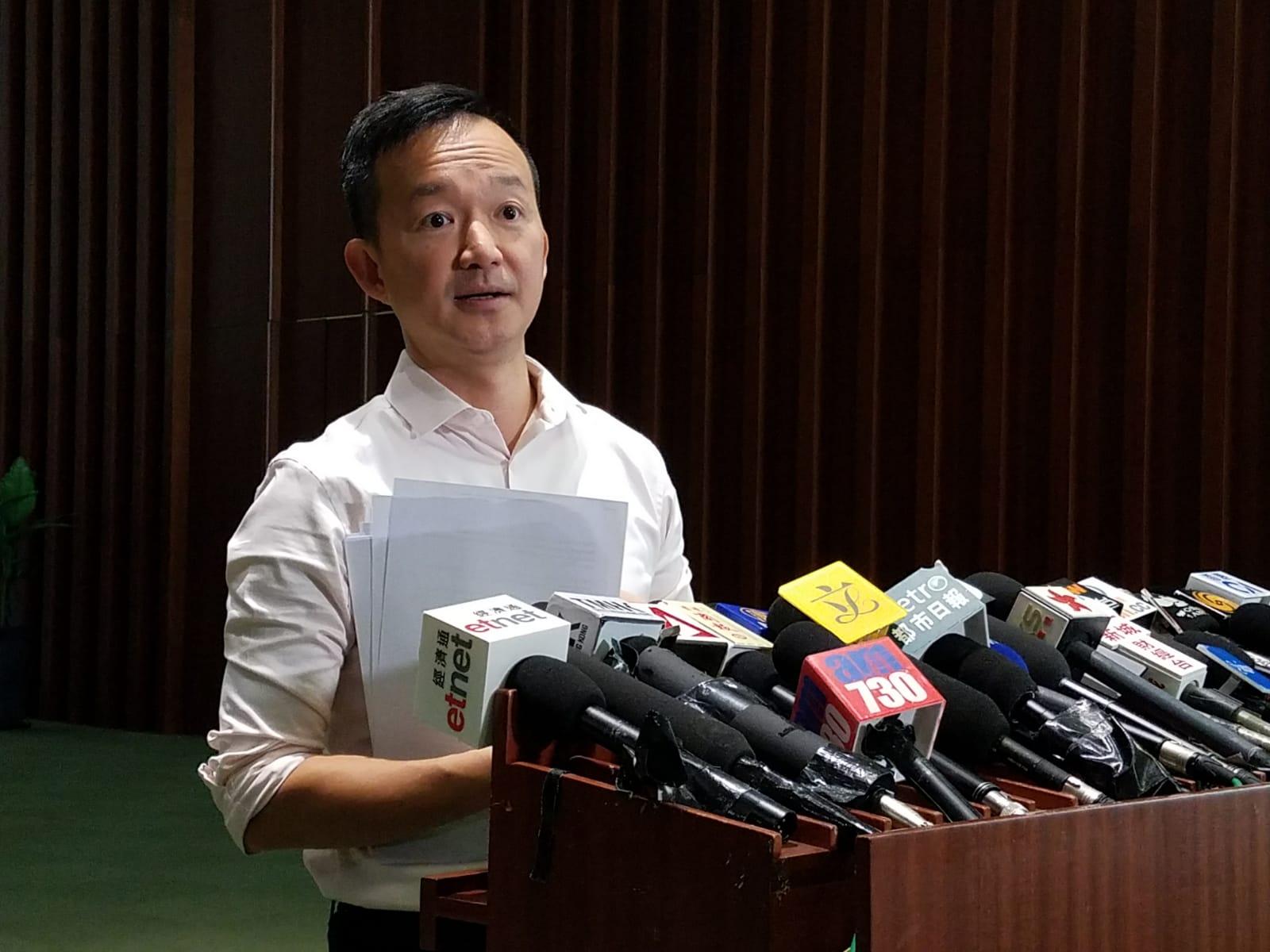 陈志全呼吁政府不要「输一样、做一样」。