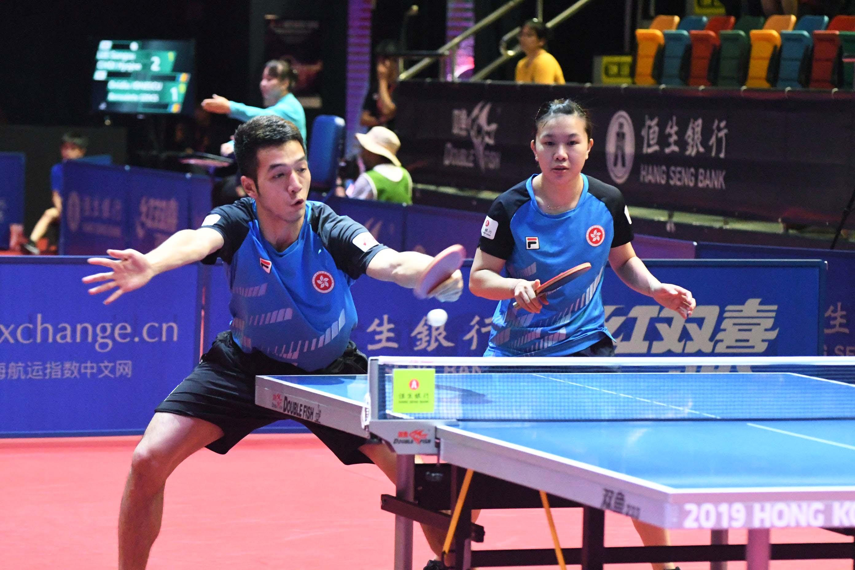港隊另一混雙組合何鈞傑(左)/李皓晴亦晉級八強。郭晉朗攝
